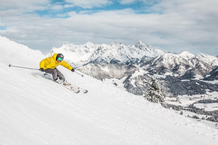 detail-skifahren-in-den-kitzbueheler-alpen©mirjageheye5